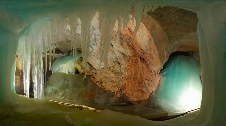 12 Impressive Caves Around The World You Need To See! (12)