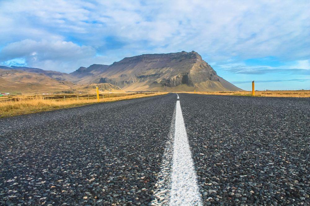 The Northern Lights, Eyjafjallajökull And Þingvellir National Park (4)