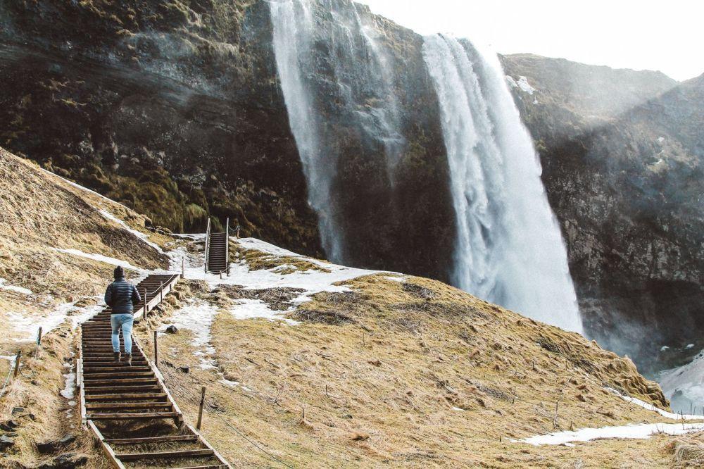 Seljalandsfoss and Skógafoss Waterfalls in Iceland plus Icelandic Lamb and rainbows (4)
