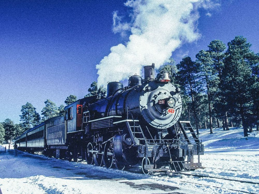 The 15 Most Beautiful Train Journeys Across The World You Have To Travel On! (18)