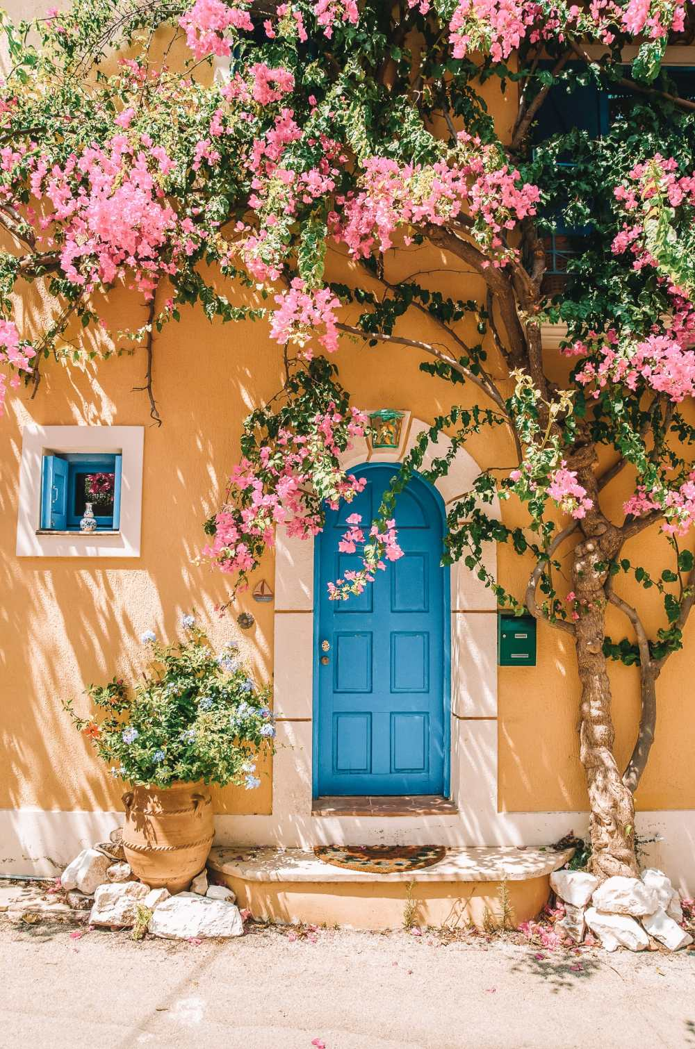 20 Very Best Greek Islands To Visit (17)