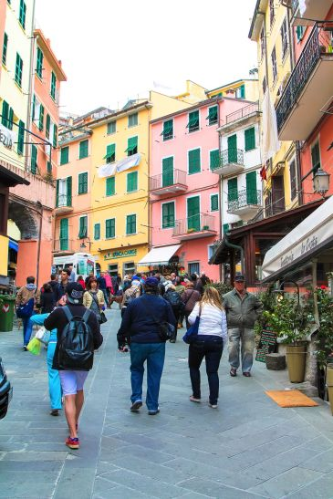 The Complete Guide To Visiting Cinque Terre in Italy! (15)