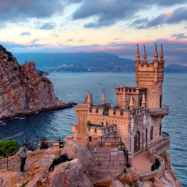 Off The Beaten Track - Swallows Nest, Castle... (1)