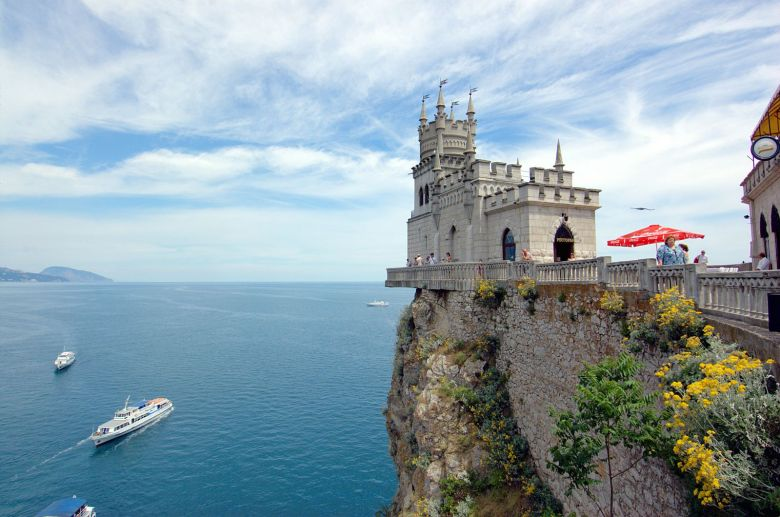 Off The Beaten Track - Swallows Nest, Castle... (3)
