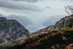 How To See The Lysefjord AND Get To The Very Edge Of Pulpit Rock In Norway! (32)