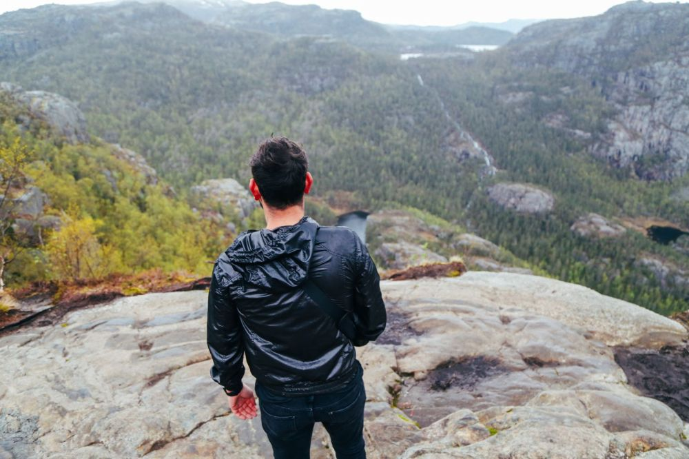 How To See The Lysefjord AND Get To The Very Edge Of Pulpit Rock In Norway! (33)