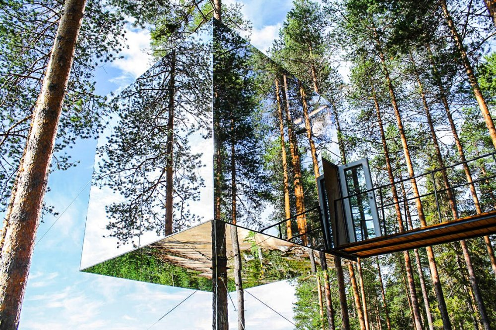10 Gloriously Quirky Tree Houses To Visit This Year! (19)