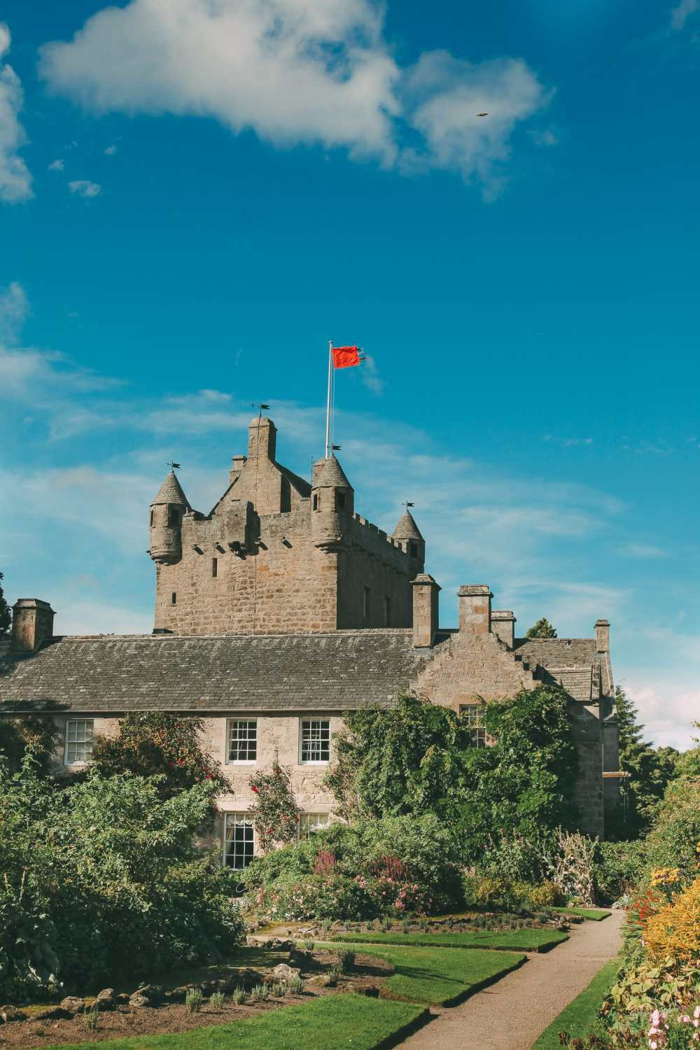 Fairy Tale Castles You Must Visit In Scotland (6)