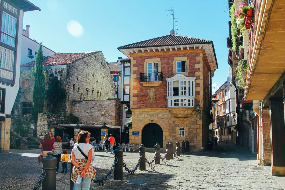 Photo Diary: Hondarribia - The Beautiful Seaside Town In The Basque Country (33)