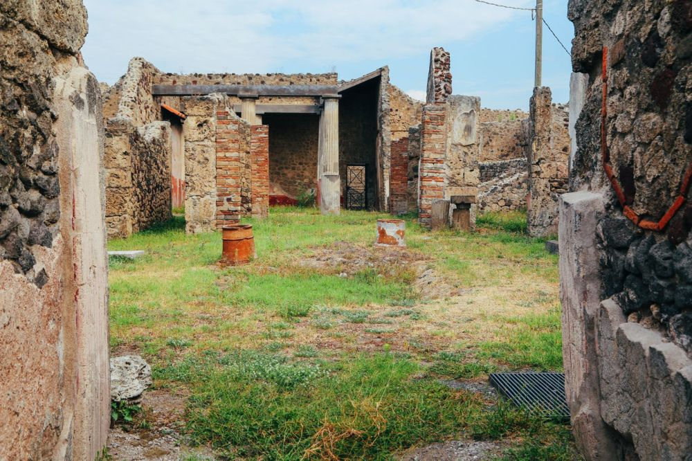 The Ancient City Of PompeiI (3)