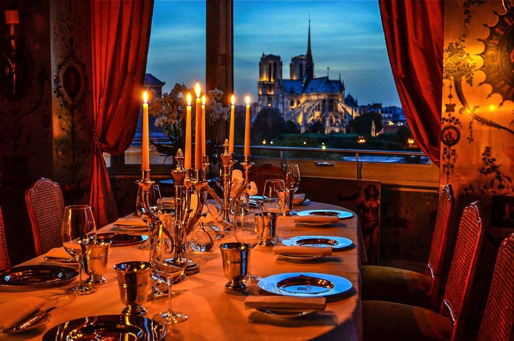 10 Amazing Restaurants With The Best Views In Paris (2)