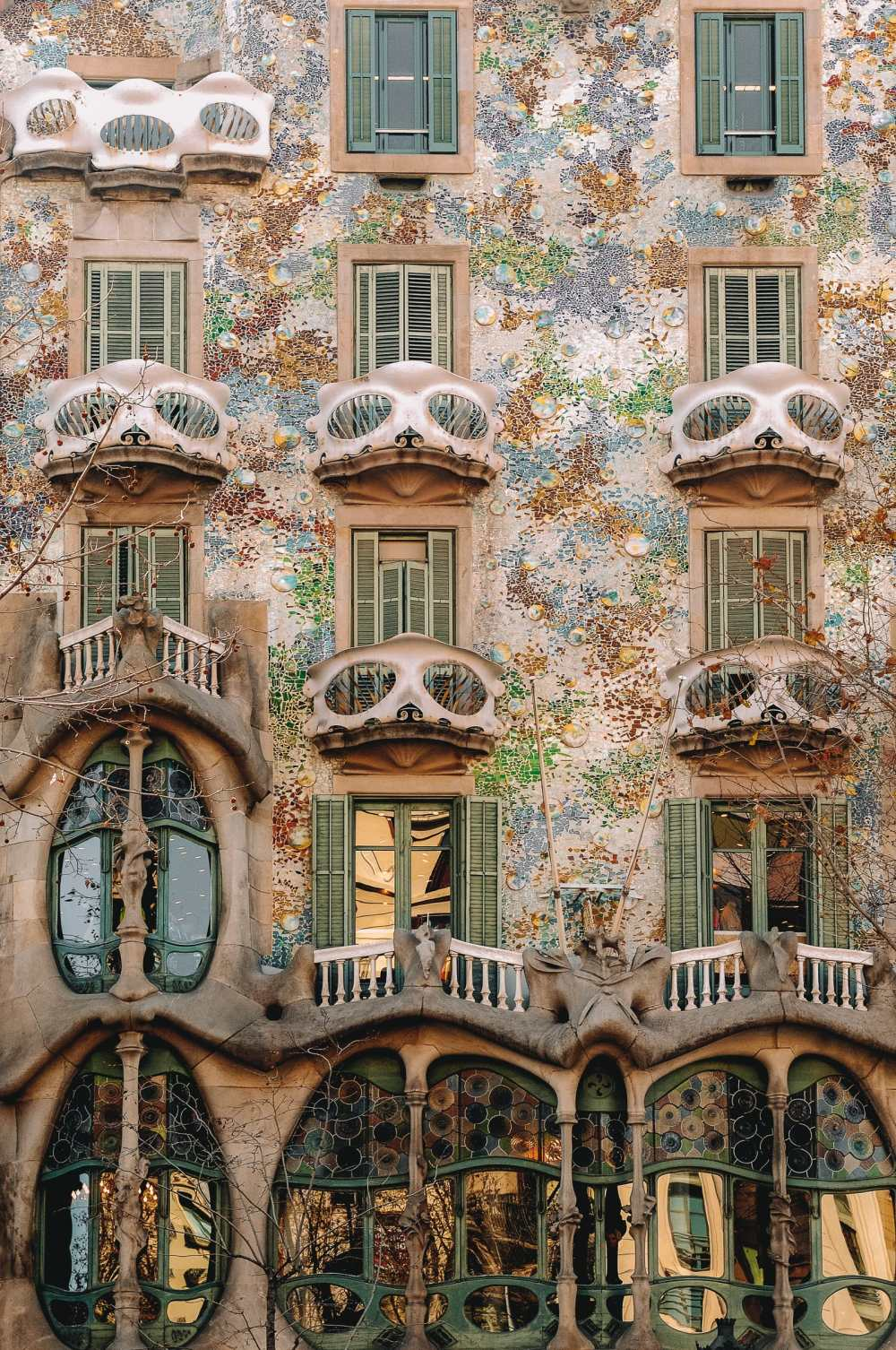 6 Must See Buildings By Gaudi In Barcelona (4)
