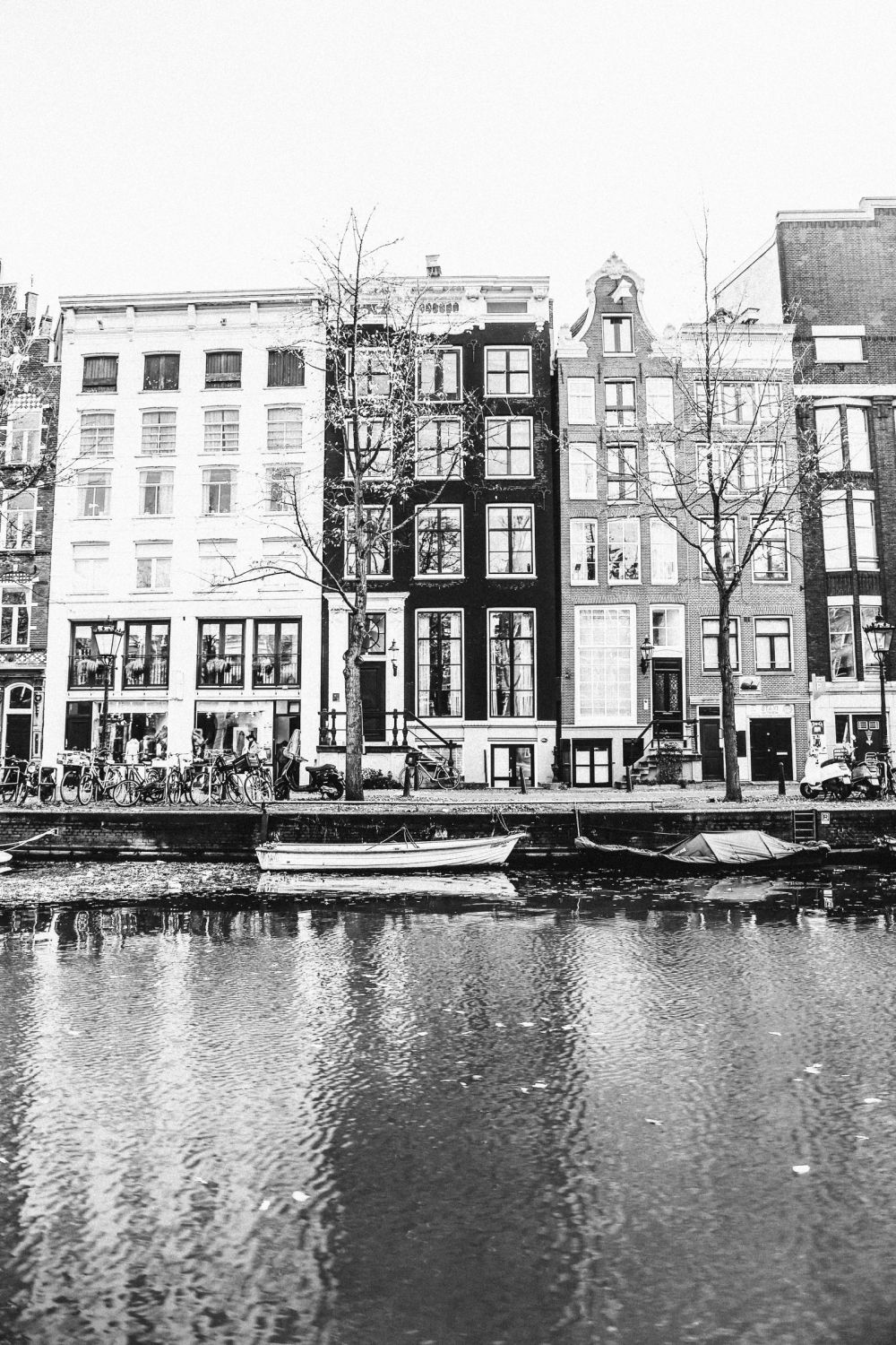 Exploring Amsterdam's Canal (By Driving A Boat For The First Time!) (10)