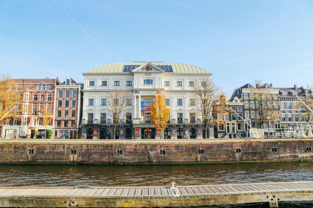 Exploring Amsterdam's Canal (By Driving A Boat For The First Time!) (24)