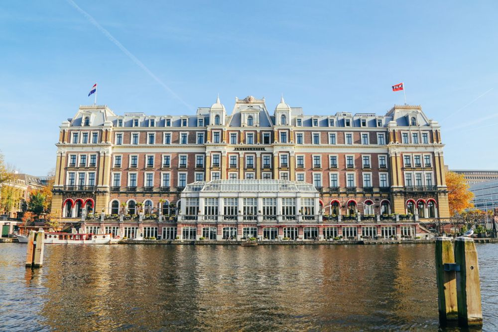 Exploring Amsterdam's Canal (By Driving A Boat For The First Time!) (26)