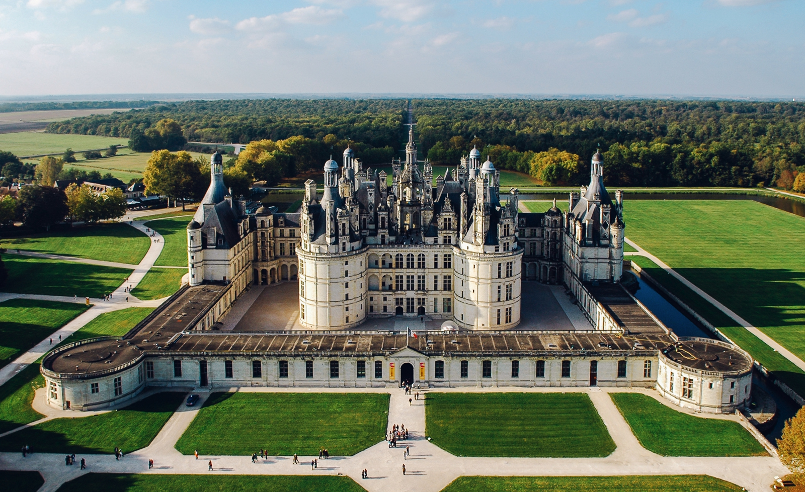 10 Fairytale Castles You Must Explore In France (10)