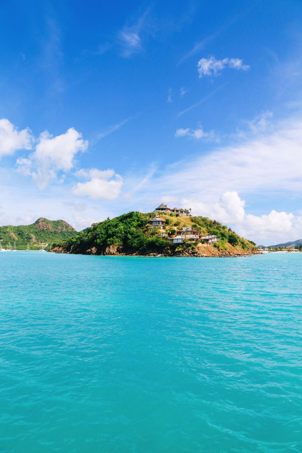 Sailing In Antigua In The Caribbean (11)