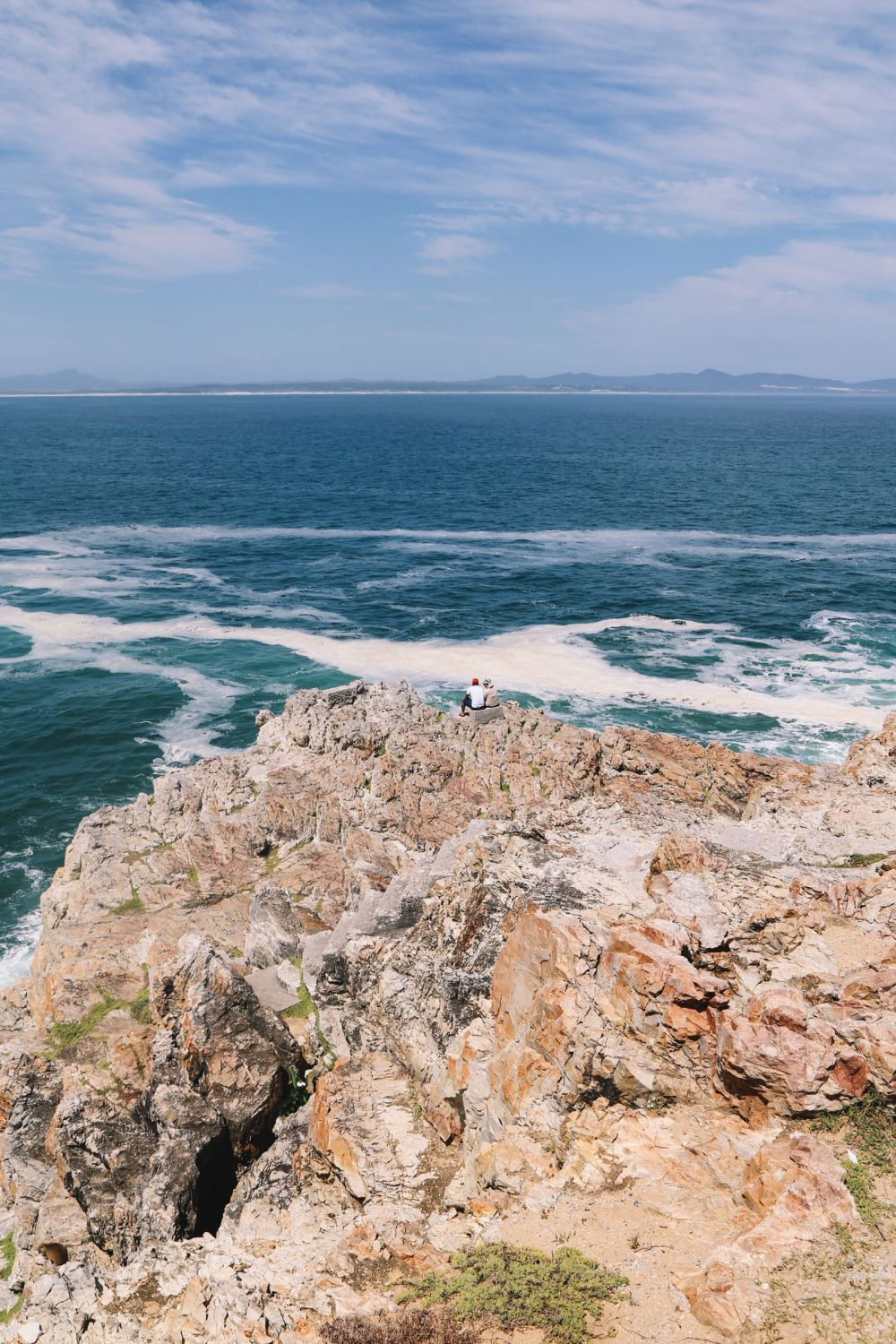 This Is The Best Place To Go Whale Watching In South Africa... And It Has Wine! (5)