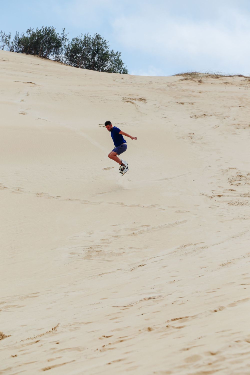 What It's Like To Try Sandboarding For The Very First Time! (24)