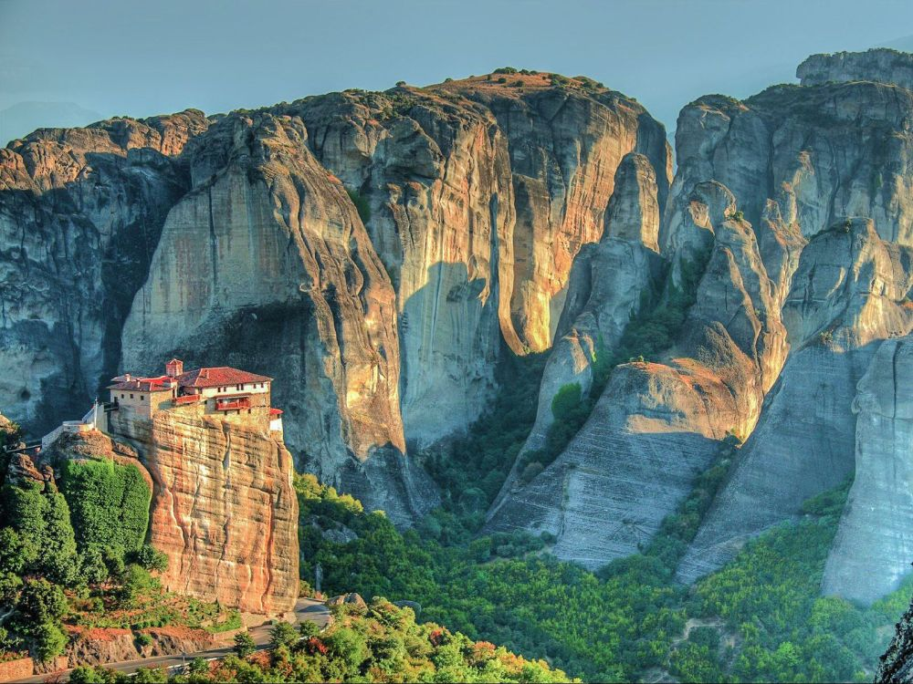 Why & How You Will Want To Visit Metéora in Greece! (6)