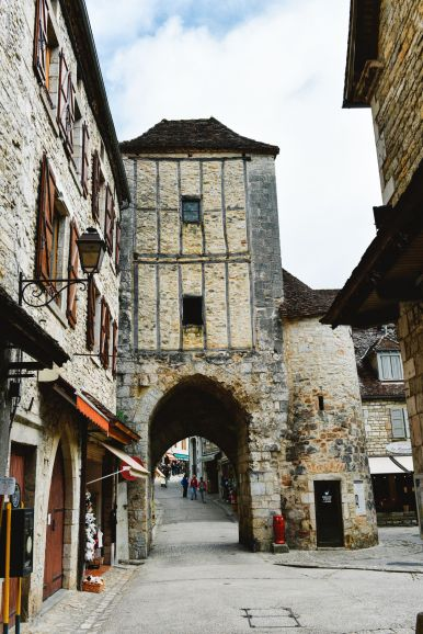 This Is The Most Dramatic Village In France - Rocamadour (17)