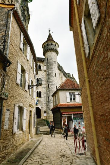This Is The Most Dramatic Village In France - Rocamadour (51)