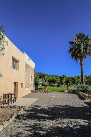 This Is Your Oasis Of Calm In Ibiza - Soulshine Yoga Retreat (2)