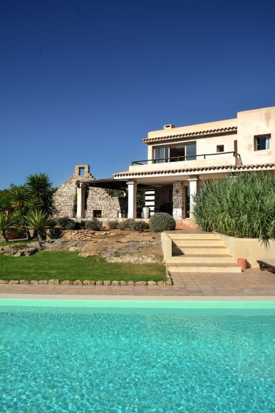 This Is Your Oasis Of Calm In Ibiza - Soulshine Yoga Retreat (4)