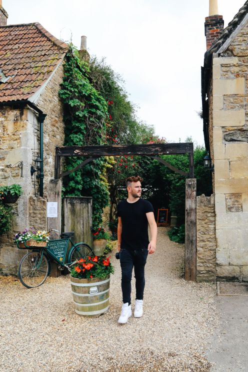 Inside the beautiful village of Cotswolds Lacock ... (21)