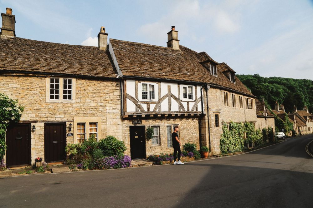 Exploring One Of England's Most Beautiful Villages - Castle Combe (13)