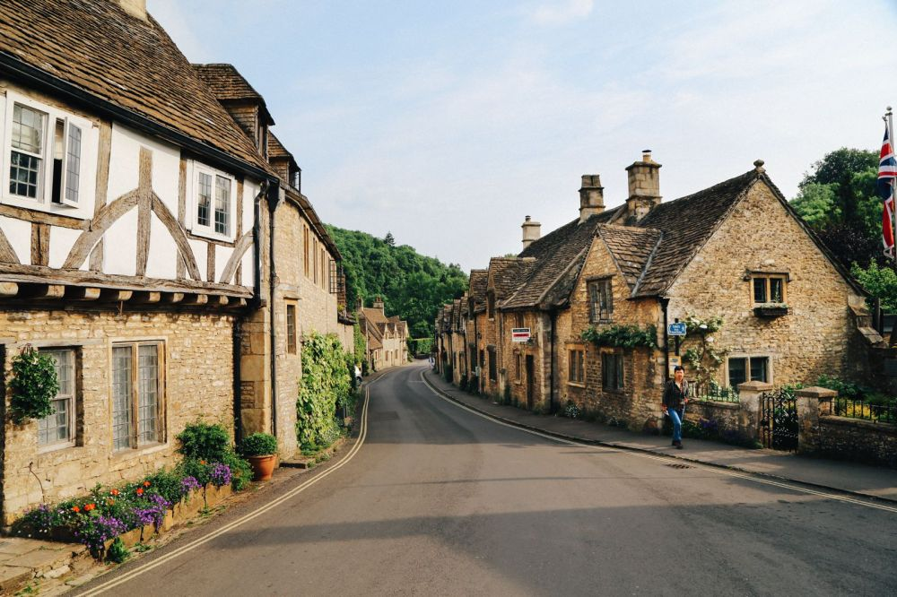 Exploring One Of England's Most Beautiful Villages - Castle Combe (14)