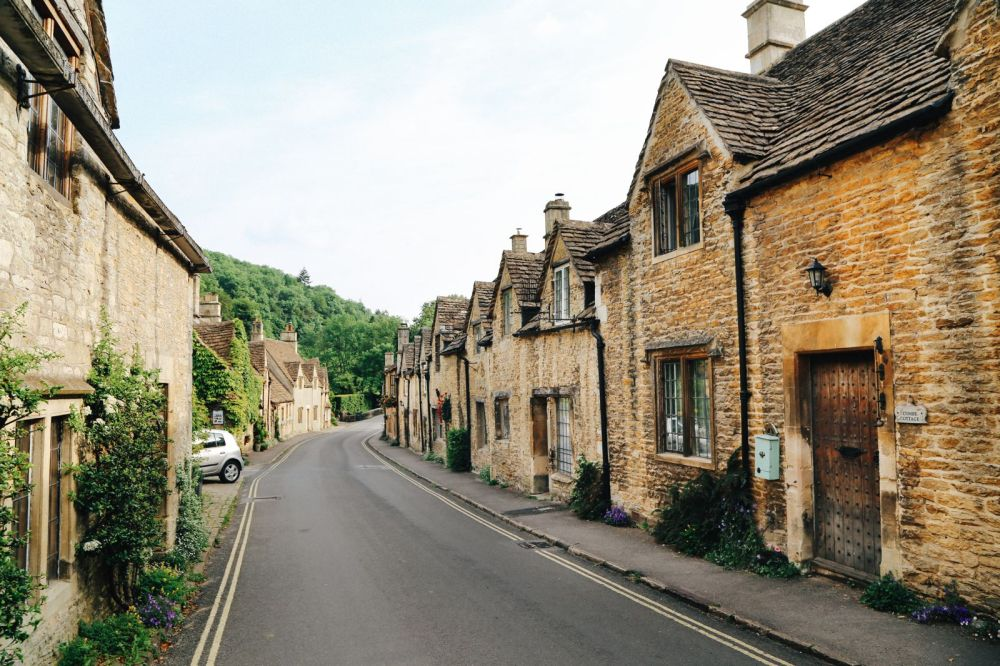 Exploring One Of England's Most Beautiful Villages - Castle Combe (15)