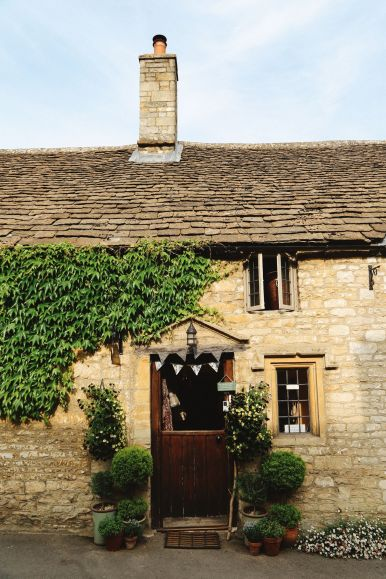 Exploring One Of England's Most Beautiful Villages - Castle Combe (28)