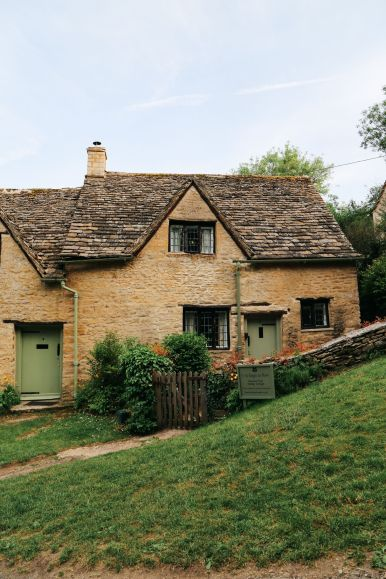 In Search Of The Most Beautiful Street In England - Arlington Row, Bibury (12)