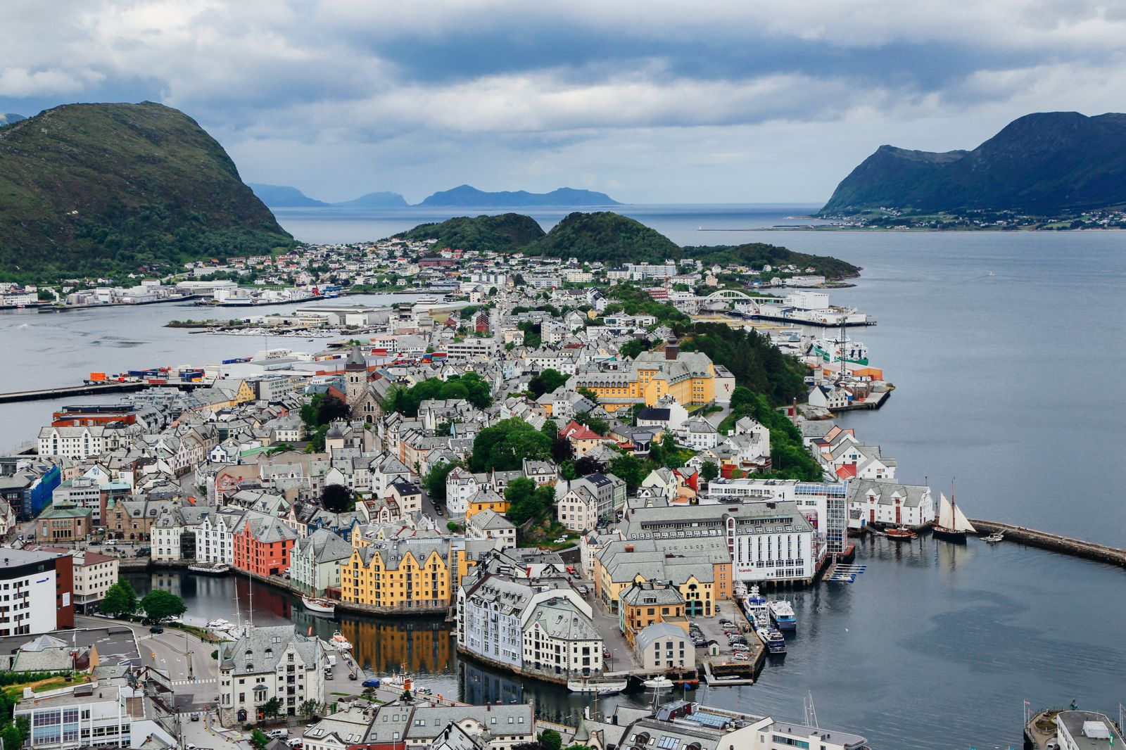 Arrival In Alesund, Norway - The Start Of Our Norwegian Road Trip! (19)