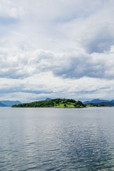 Alesund To Solavågen To Festoy To Leknes To Oye... One Of Norway's Most Scenic Driving Routes (10)