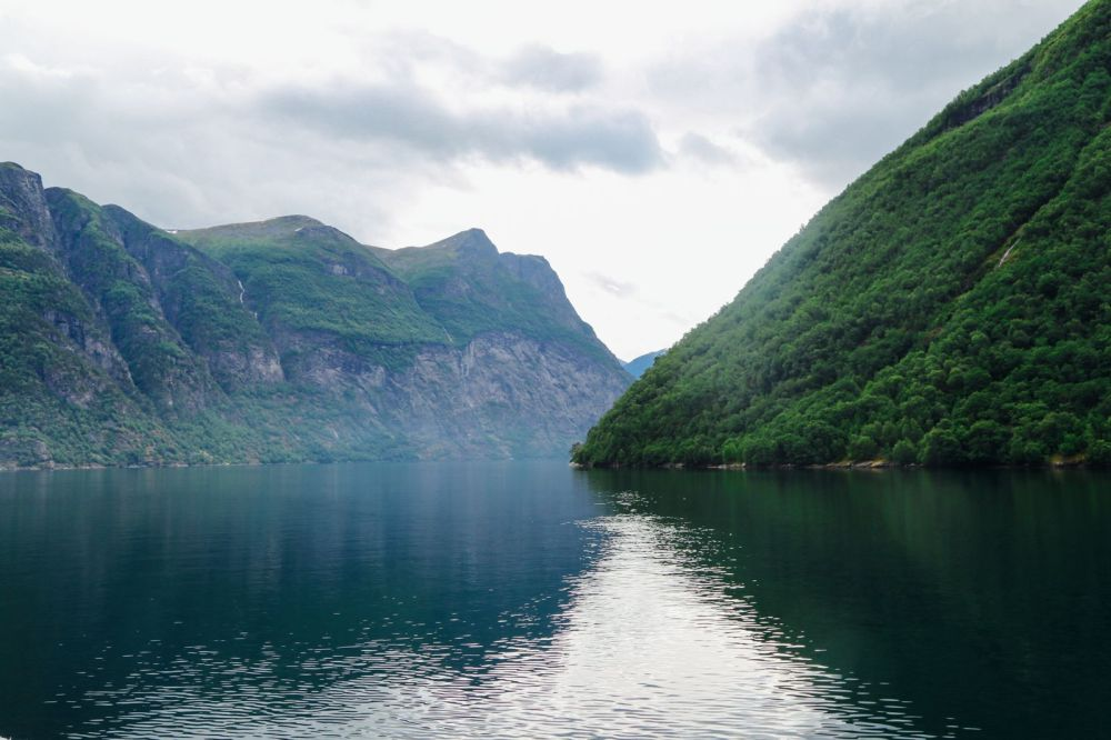 A Journey Through The Beautiful Geirangerfjord, Norway (7)