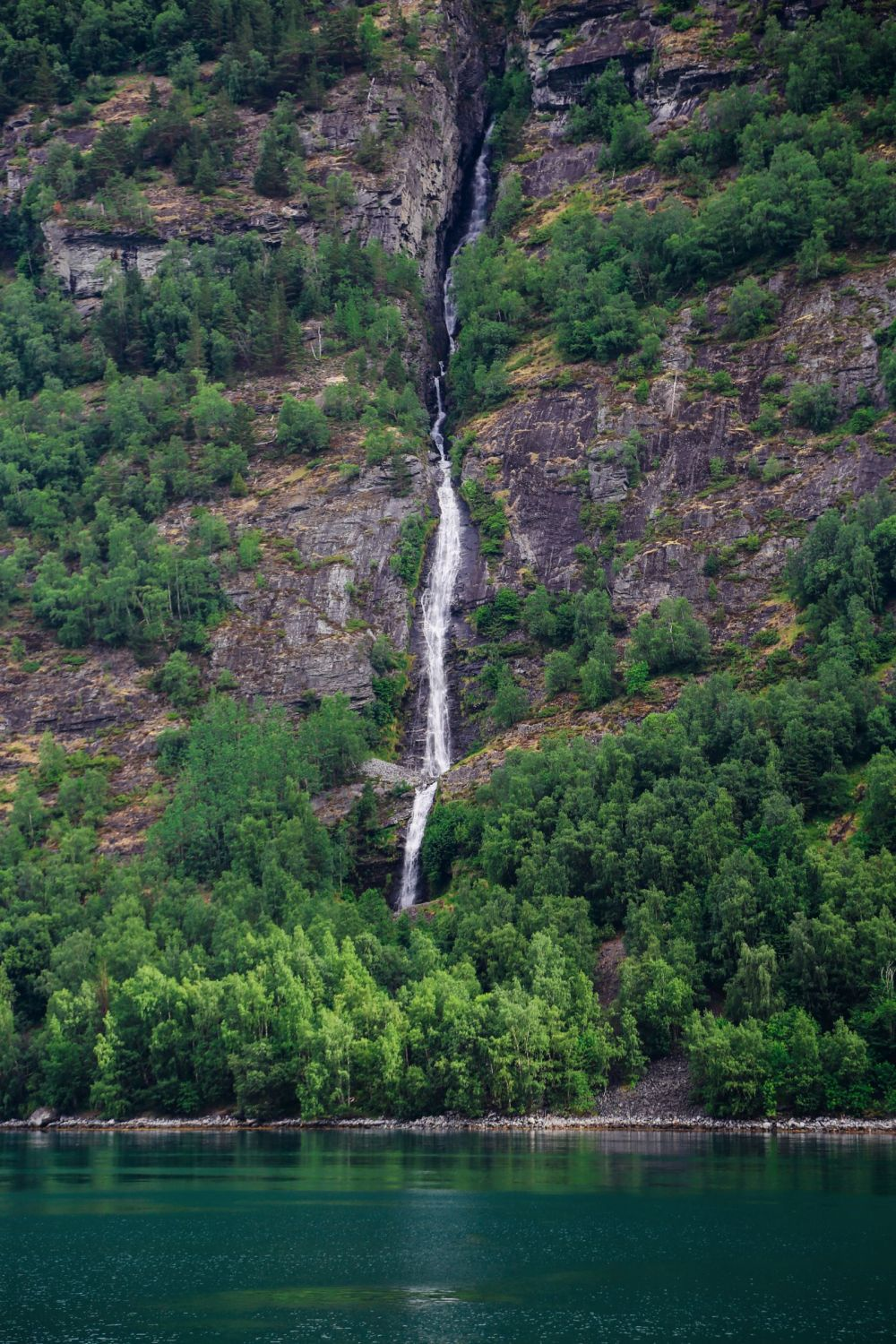 A Journey Through The Beautiful Geirangerfjord, Norway (11)