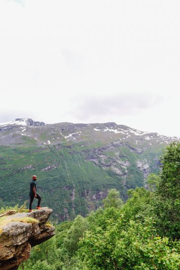 Exploring Storseterfossen Waterfall - A Waterfall In Norway You Can Walk Behind! (14)