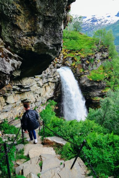 Exploring Storseterfossen Waterfall - A Waterfall In Norway You Can Walk Behind! (18)