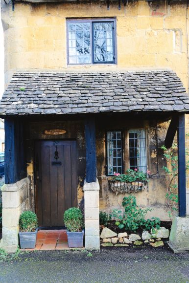 An Afternoon In The English Villages Of Broadway And Bourton-On-The-Water... The Cotswolds, England (47)