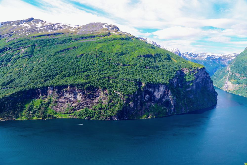Exploring Storseterfossen Waterfall - A Waterfall In Norway You Can Walk Behind! (35)