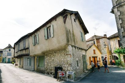 Charming Issigeac... The Medieval Village In France's Dordogne Valley (2)