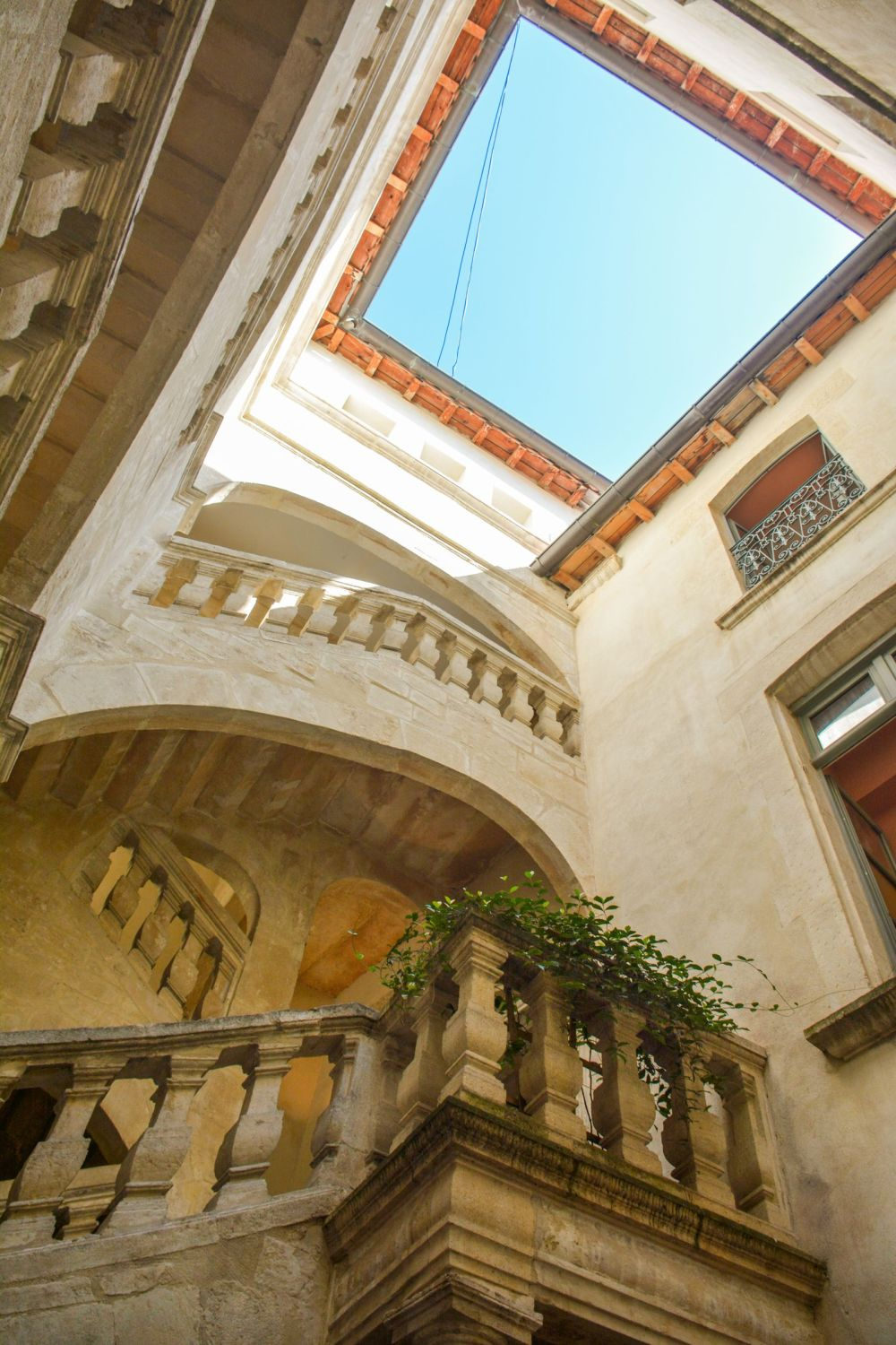 Have You Ever Heard Of The Beautiful French Town Of Nimes ? (31)