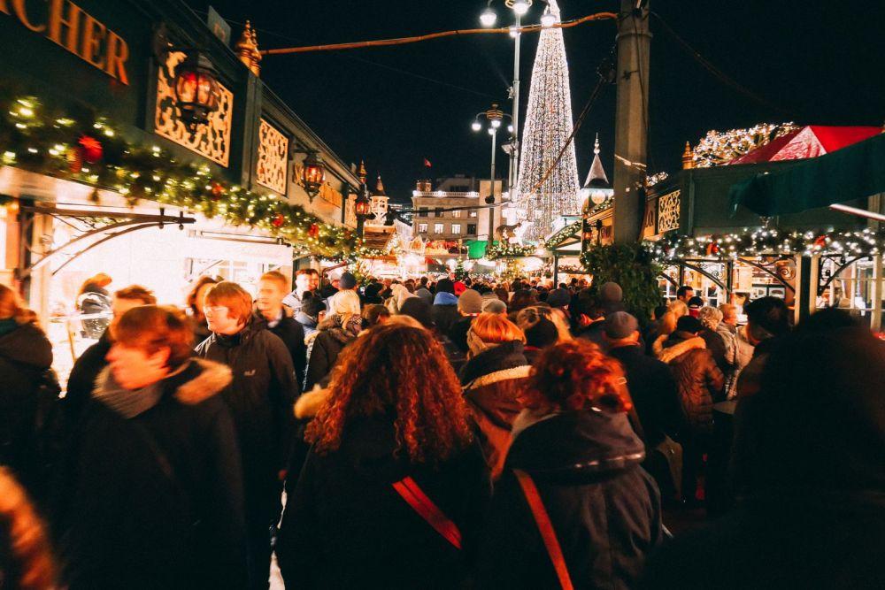 Christmas Market Fun In Hamburg, Germany… (9)