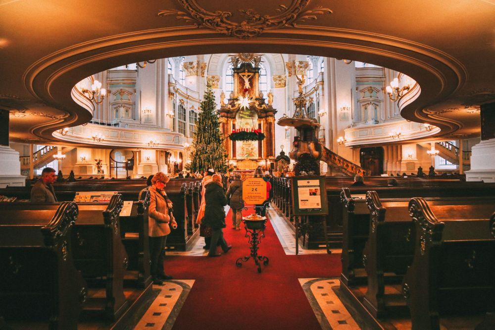Christmas Market Fun In Hamburg, Germany… (35)