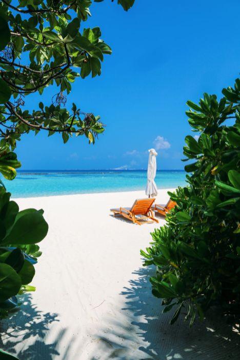 Sunny Days At The Velassaru Maldives (3)