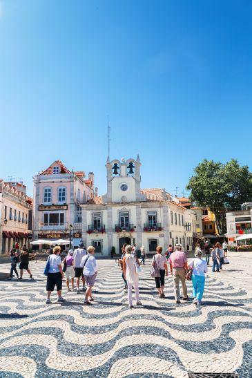 The Beautiful Seaside Town Of Cascais In Portugal... (35)