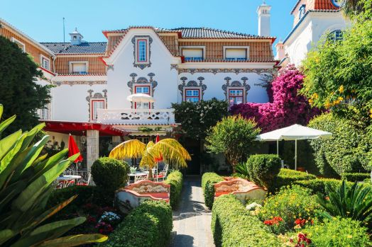 The Beautiful Seaside Town Of Cascais In Portugal... (57)