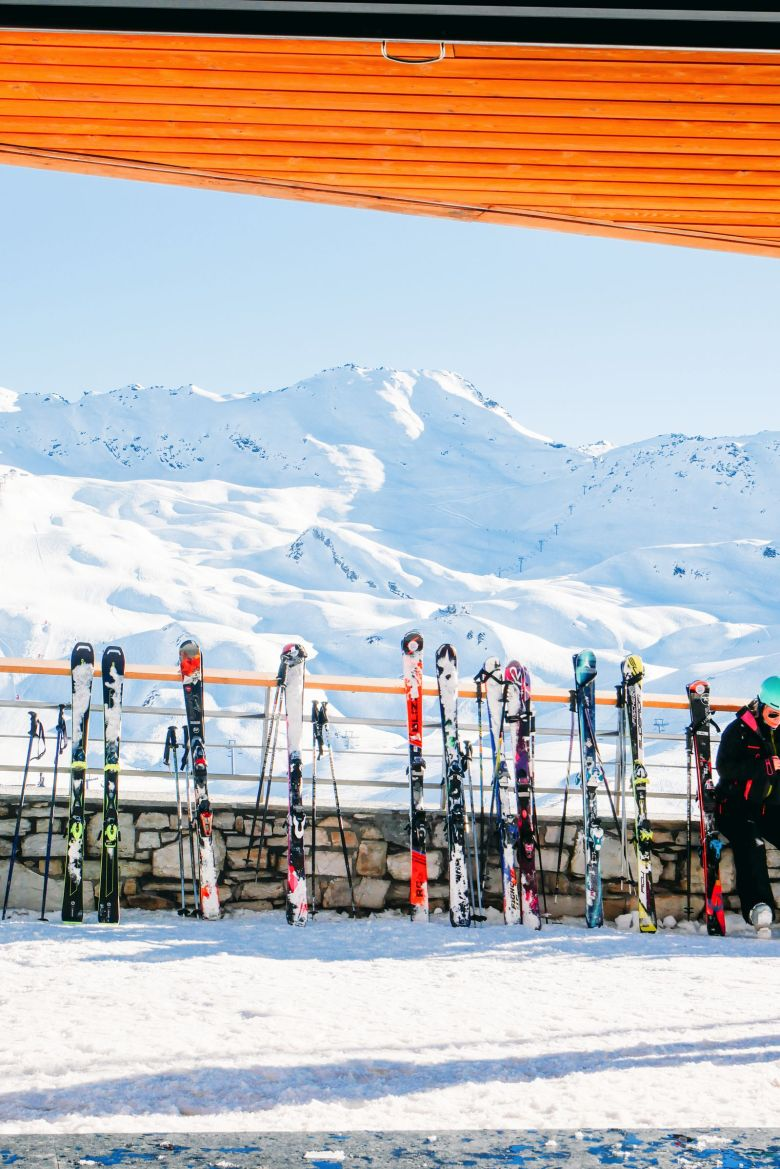 This Is Definitely The Best Way To Go Skiing... With Hip Hideouts (56)